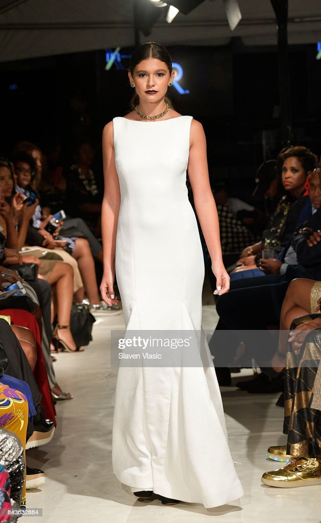 model-walks-the-runway-for-kr-fashion-show-a-part-of-harlems-fashion-picture-id843632884