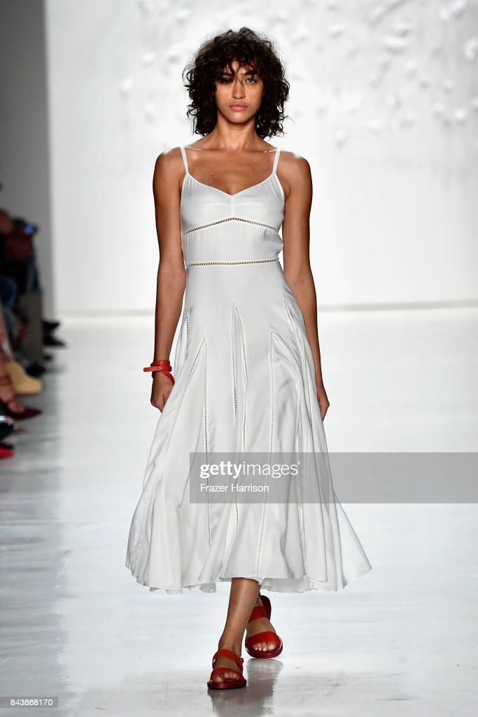 model-walks-the-runway-for-noon-by-noor-fashion-show-during-new-york-picture-id843868170