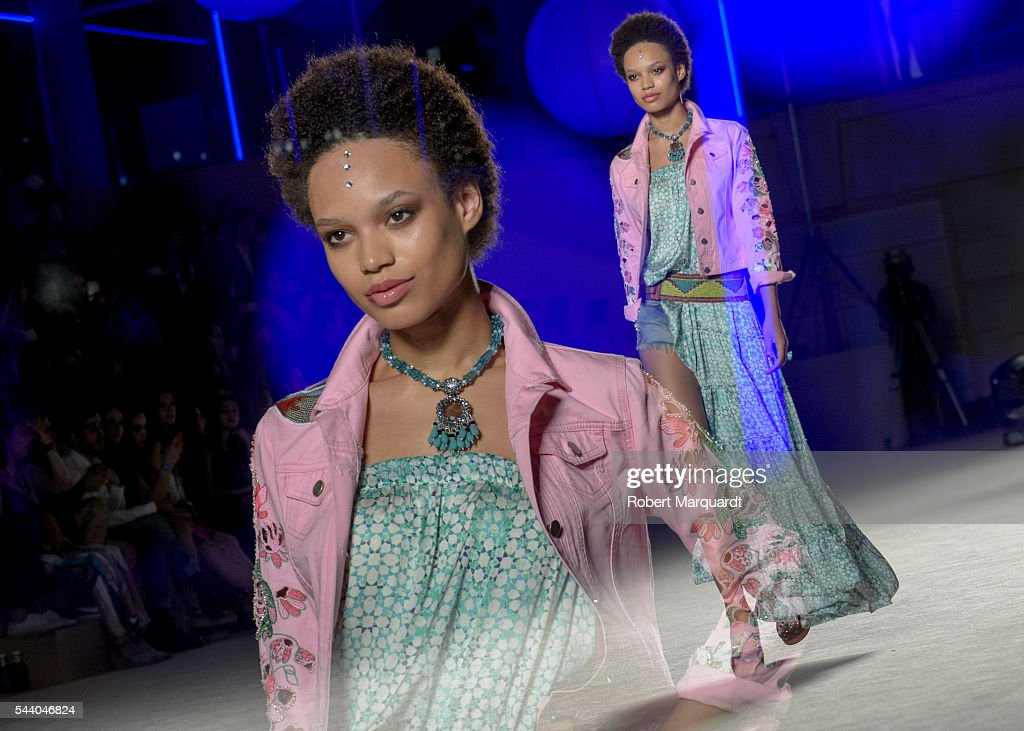 A model walks the runway for the Lola Casademunt colletion during the Barcelona 080 Fashion Week Spring/Summer 2017 at the INFEC on July 1, 2016 in Barcelona, Spain.