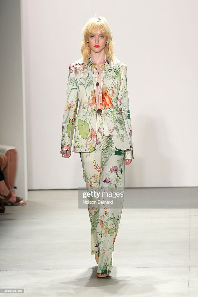 A model walks the runway wearing Jenny Packham Spring 2016 during New York Fashion Week The Shows at The Gallery Skylight at Clarkson Sq on September...