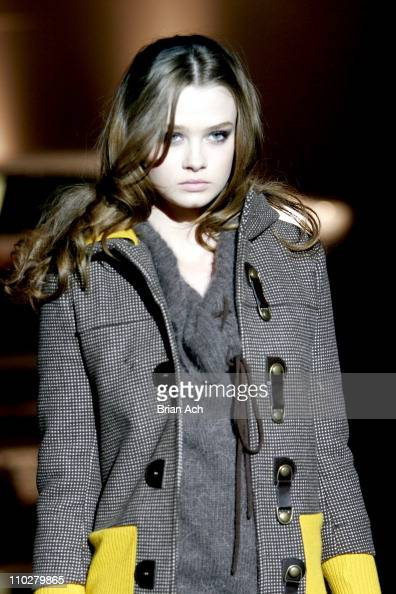 Model wearing Alice Olivia Fall 2006 during Olympus Fashion Week Fall 2006 Alice Olivia Runway in New York New York United States
