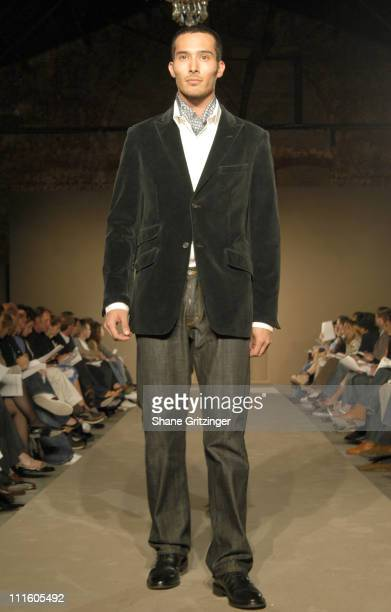 Model wearing Banana Republic Fall 2005 Collection