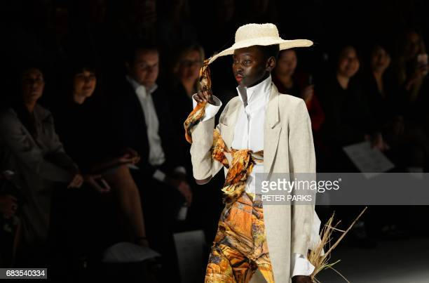 A model wears a creation by Australian designer Victoria Bliss at the StGeorge NextGen show for Fashion Week in Sydney on May 16 2017 / AFP PHOTO /...