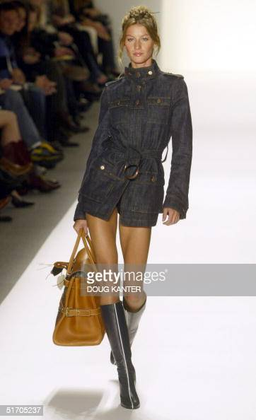 Bartley fall 2002 fashion show in new york 10 february 2002 afp photo