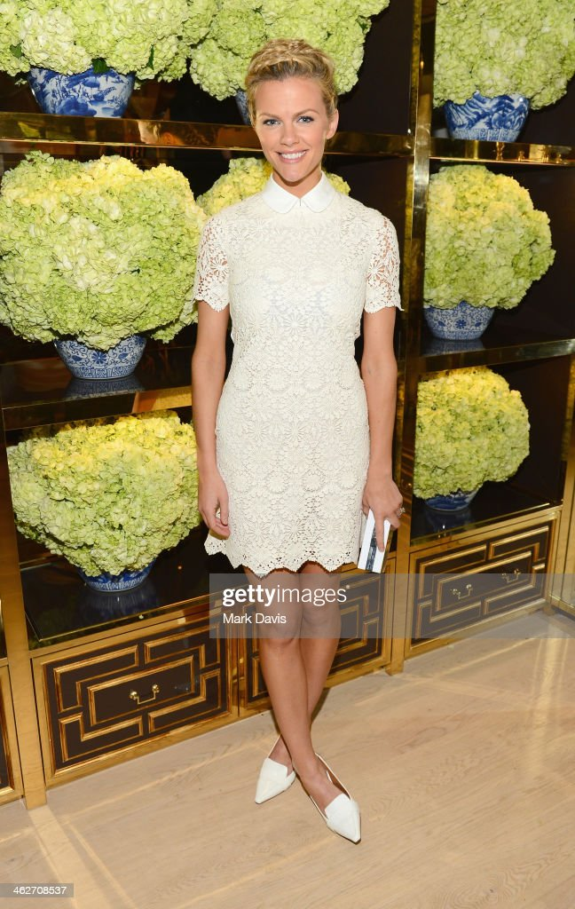 Model/actress <a gi-track='captionPersonalityLinkClicked' href=/galleries/search?phrase=Brooklyn+Decker&family=editorial&specificpeople=815965 ng-click='$event.stopPropagation()'>Brooklyn Decker</a> attends the Tory Burch Rodeo Drive Flagship Opening at Tory Burch on January 14, 2014 in Beverly Hills, California.