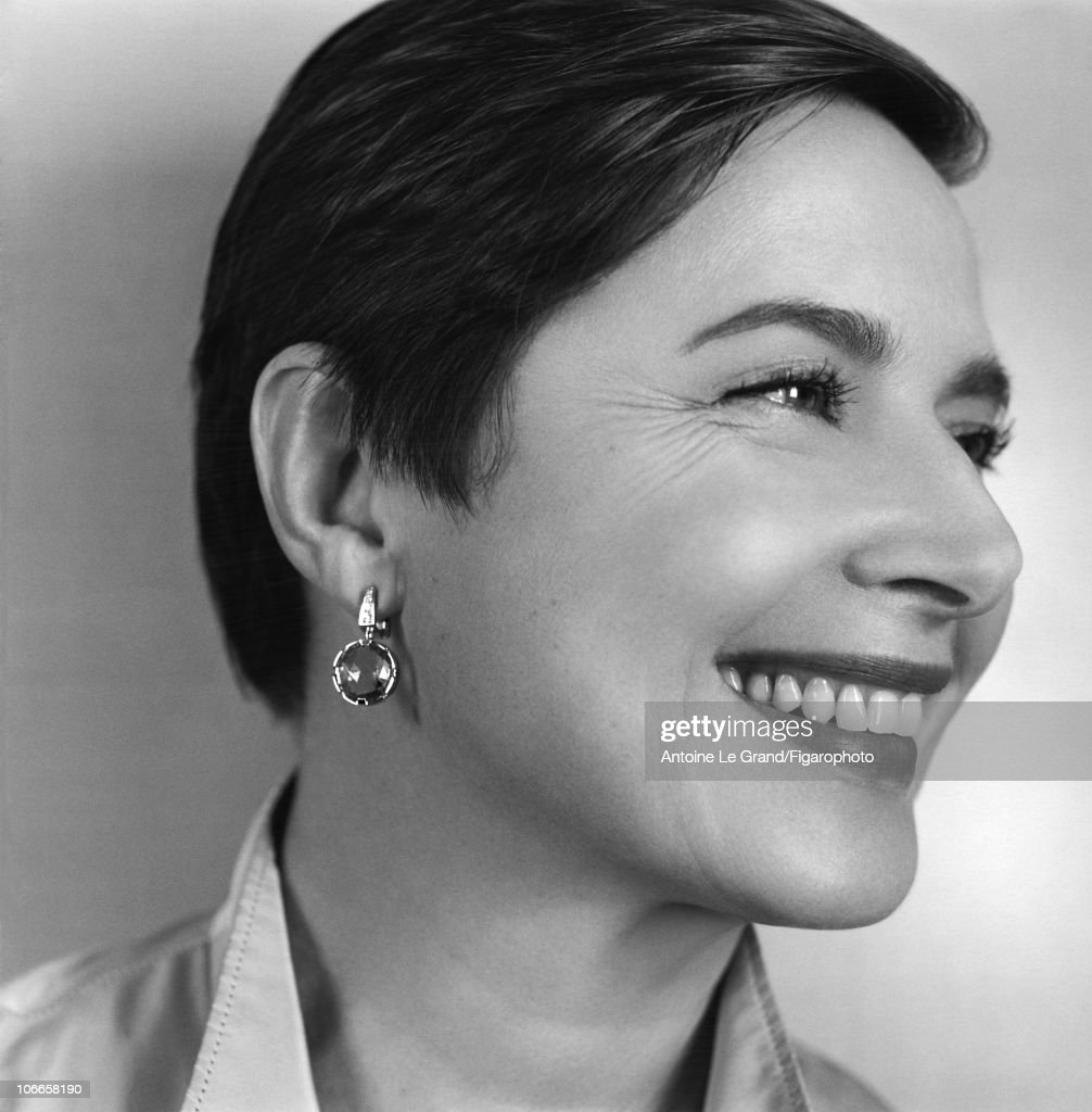 Model/Actress <a gi-track='captionPersonalityLinkClicked' href=/galleries/search?phrase=Isabella+Rossellini&family=editorial&specificpeople=209153 ng-click='$event.stopPropagation()'>Isabella Rossellini</a> photographed for Madame Figaro in 2010. Published image. Figaro ID #098152-002.