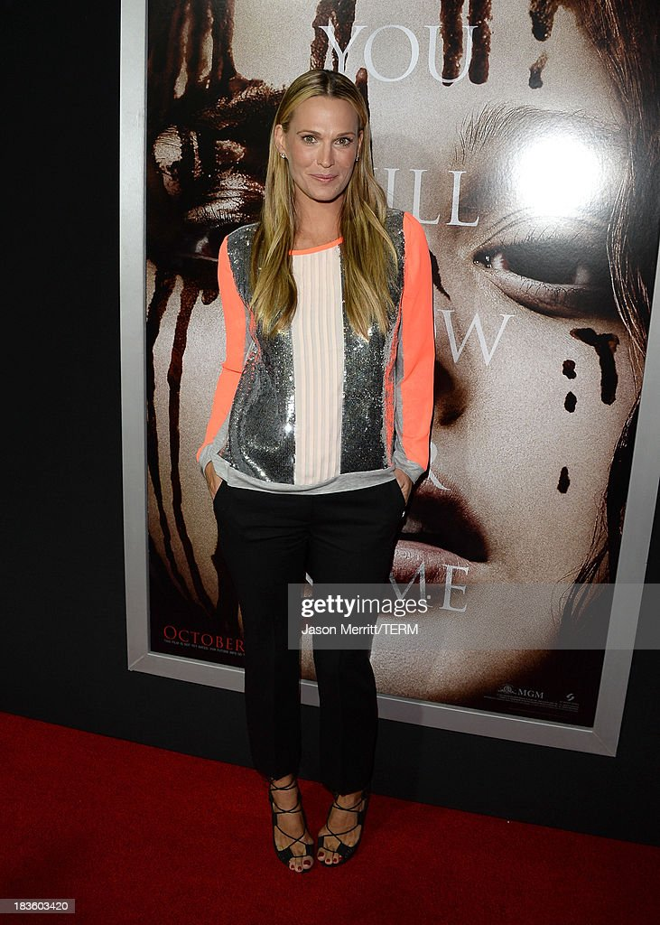 Model/actress <a gi-track='captionPersonalityLinkClicked' href=/galleries/search?phrase=Molly+Sims&family=editorial&specificpeople=202547 ng-click='$event.stopPropagation()'>Molly Sims</a> arrives at the premiere of Metro-Goldwyn-Mayer Pictures & Screen Gems' 'Carrie' at ArcLight Cinemas on October 7, 2013 in Hollywood, California.