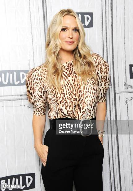 Model/actress Molly Sims attends Build to discuss 'Everyday Chic' at Build Studio on October 10 2017 in New York City