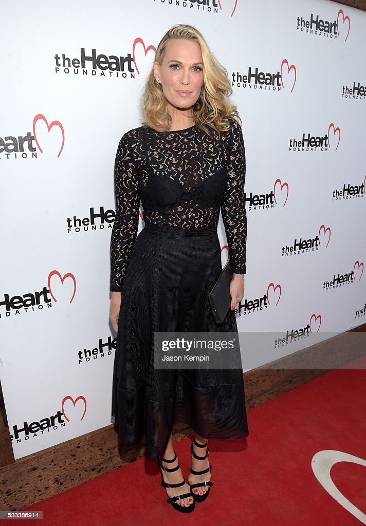 Model/actress Molly Sims attends The Heart Foundation 20th Anniversary Event honoring Discovery Land Company's Mike Meldman at the Green Acres Estate on May 21, 2016 in Beverly Hills, California.