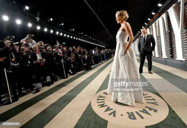 Model/actress Sarah Murdoch attends the 2017 Vanity Fair Oscar Party hosted by Graydon Carter at Wallis Annenberg Center for the Performing Arts on...