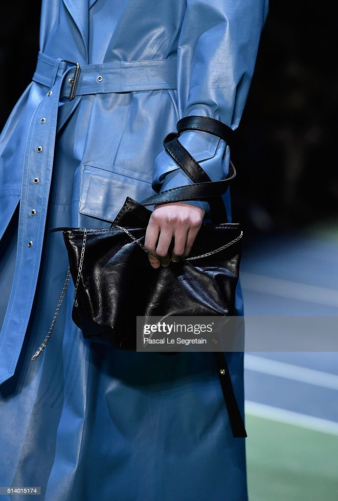 celine obag purse - Runway - Paris Fashion Week Womenswear Fall/Winter 2016/2017 ...