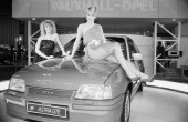 Models add glamour to a motor show 17th October 1984