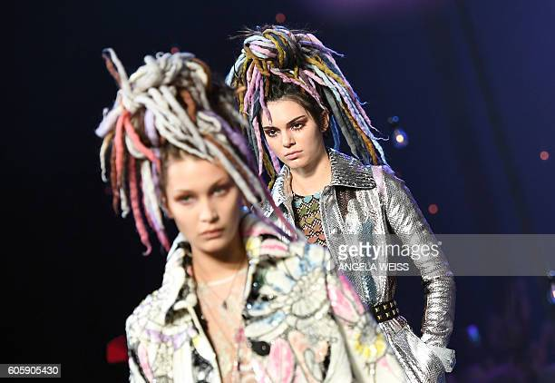Models Bella Hadid and Kendall Jenner display the fashion of Marc Jacobs during New York Fashion Week in New York on September 15 2016 / AFP / ANGELA...