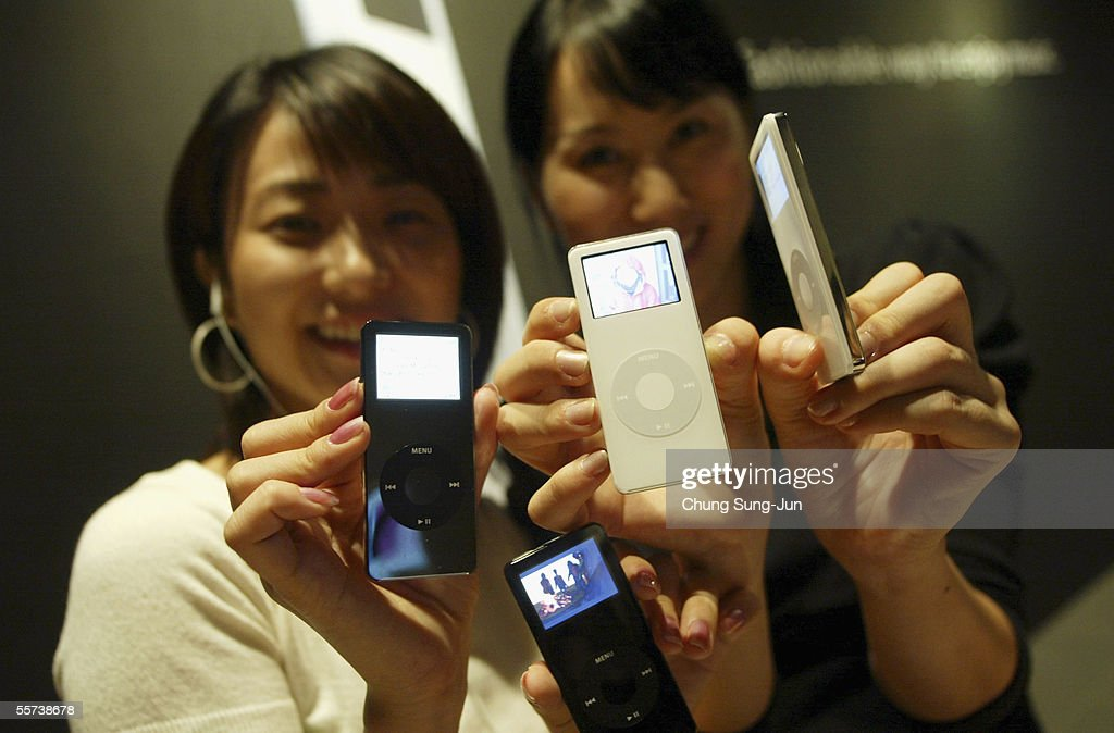 Models display the latest iPod nano at a press launch on September 22, 2005 in Seoul, South Korea. The latest release from Apple features a 4 GB model with the capacity to store up to 1,000 songs or 25,000 photographs. The iPod nano weighs 1.5 ounces and, measures only 3.5 x 1.6 x 0.27 inches. The 4 GB model will be available on the Korean market at $290 USD and the 2 GB version available for $230 USD.
