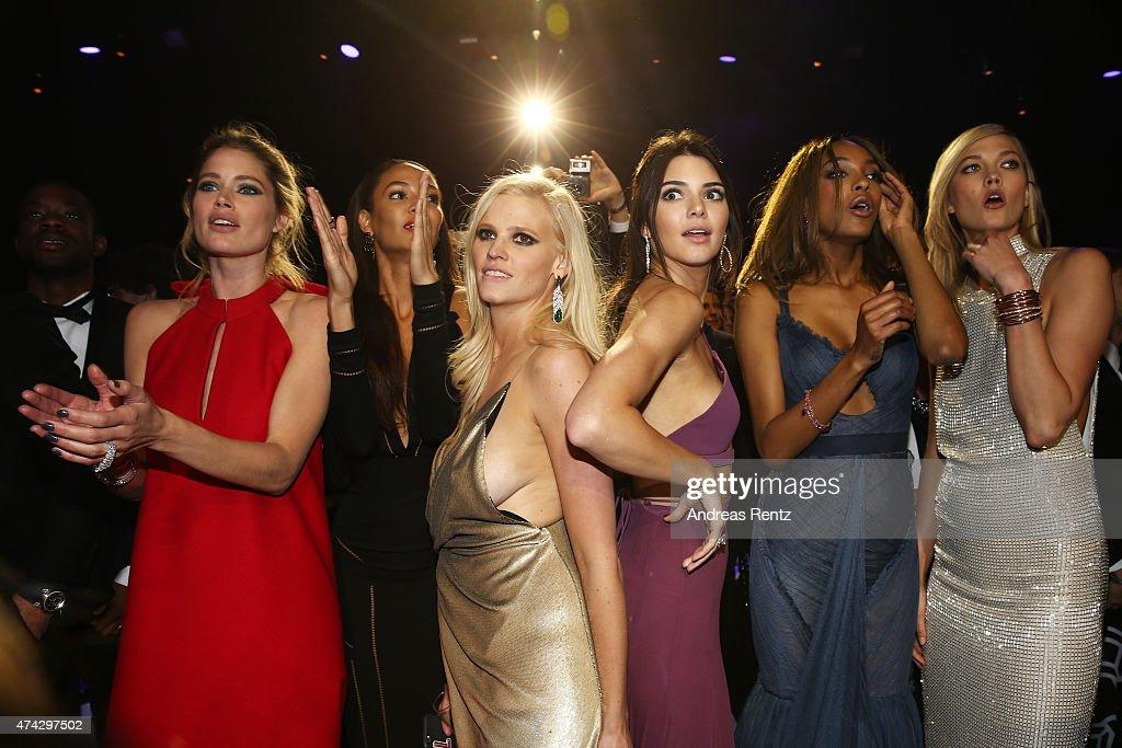 Models Doutzen Kroes Joan Smalls Lara Stone Kendall Jenner Jourdan Dunn and Karlie Kloss onstage during amfAR's 22nd Cinema Against AIDS Gala...