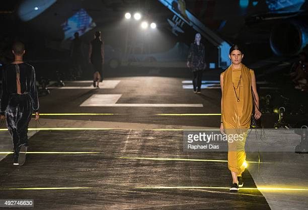 Models from Osklen on the runway of ELLE Fashion Preview on October 14 2015 in Rio de Janeiro Brazil