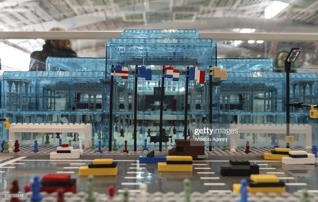 Models on display at New York's Javits Center on February 13, 2016, during the 113rd Annual American International Toy Fair New York 2016 starting on February 13 and ending on February 16. More than 200 companies from 100 countries have opened stands in the fair.