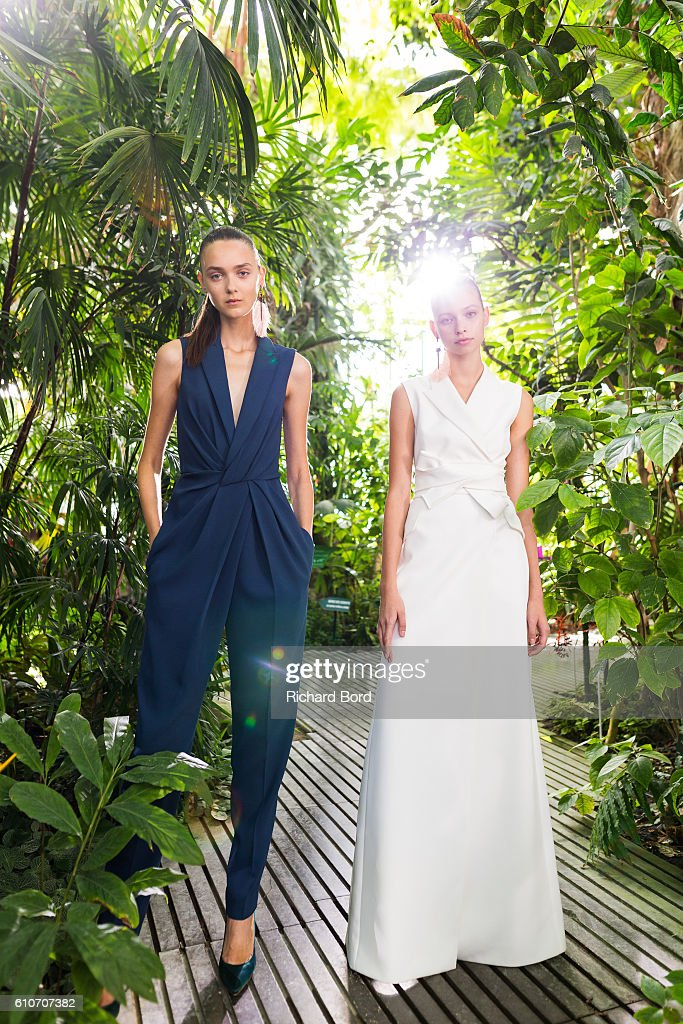 models-pose-during-the-paule-ka-presentation-as-part-of-the-paris-picture-id610707382