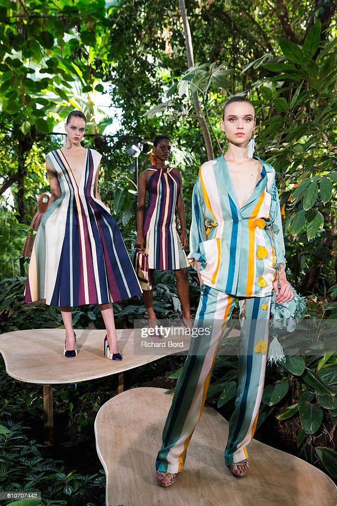 models-pose-during-the-paule-ka-presentation-as-part-of-the-paris-picture-id610707442