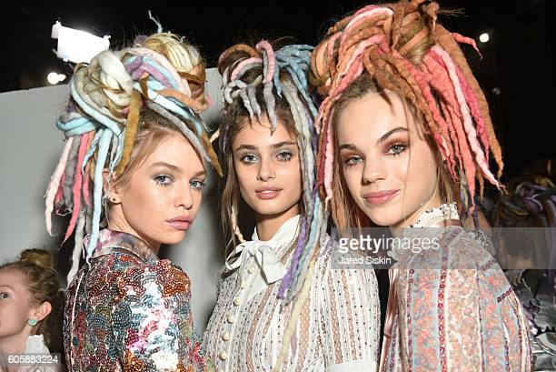 Models prepares backstage at the Marc Jacobs SS17 fashion show during New York Fashion Week at Hammerstein Ballroom on September 15 2016 in New York...