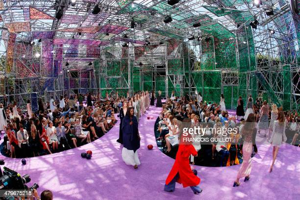 Models present creations for Christian Dior during the 20152016 fall/winter Haute Couture collection fashion show on July 6 2015 in Paris AFP PHOTO /...