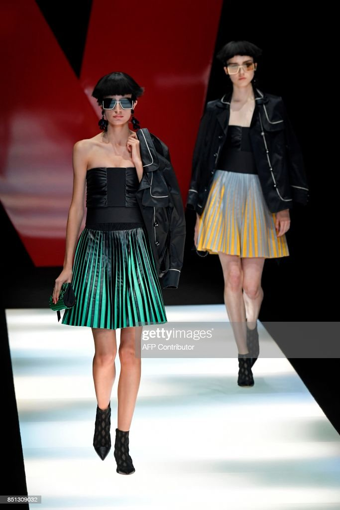 models-present-creations-for-fashion-house-giorgio-armani-during-the-picture-id851309032