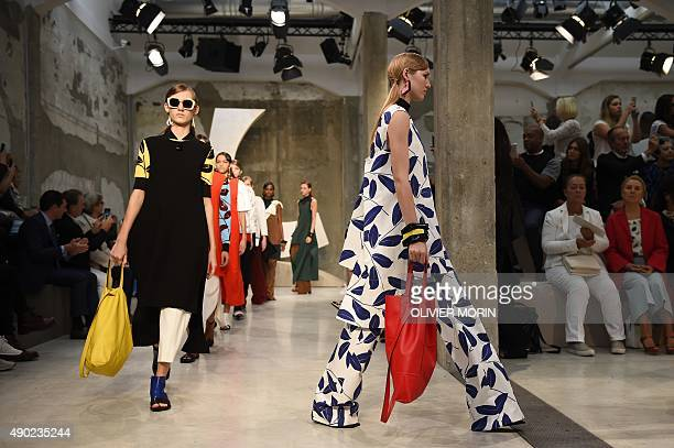 Models present creations for fashion house Marni during the women Spring / Summer 2016 Milan's Fashion Week on September 27 2015 in Milan AFP PHOTO /...
