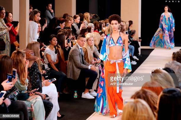 Models present creations for Leonard Paris during the women's 2018 Spring/Summer readytowear collection fashion show in Paris on October 2 2017 / AFP...