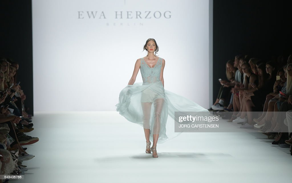Models present fashion of the label Ewa Herzog from the Spring/Summer 2017 collections at the Fashion Week in Berlin on June 28, 2016. / AFP / dpa / Jörg Carstensen / Germany OUT