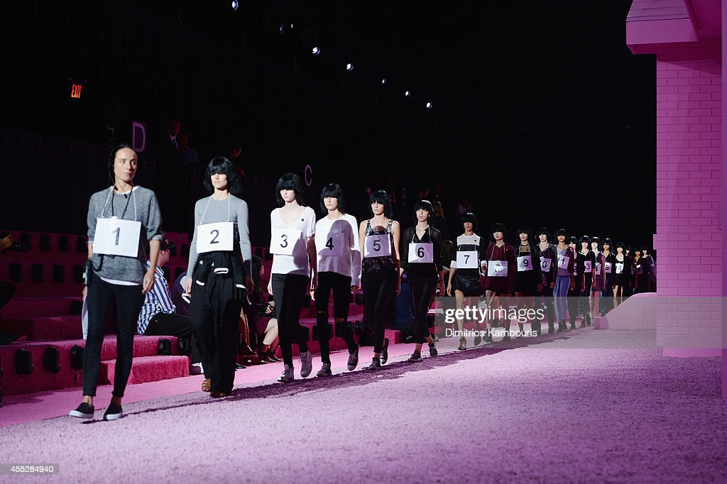Models rehearse on the runway at the Marc Jacobs fashion show during MercedesBenz Fashion Week Spring 2015 at Park Avenue Armory on September 11 2014...