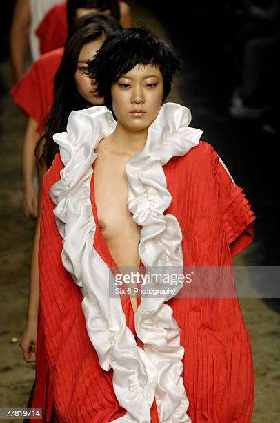 Models showcase designs from Choi Changho on the catwalk as part of the Seoul Collection Spring/Summer 2008 Womenswear fashion event at the SETEC on...