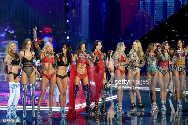 Models Stella Maxwell Josephine Skriver Elsa Hosk Lily Aldridge Alessandra Ambrosio Adriana Lima Candice Swanepoel Romee Strijd Jasmine Tookes Taylor...