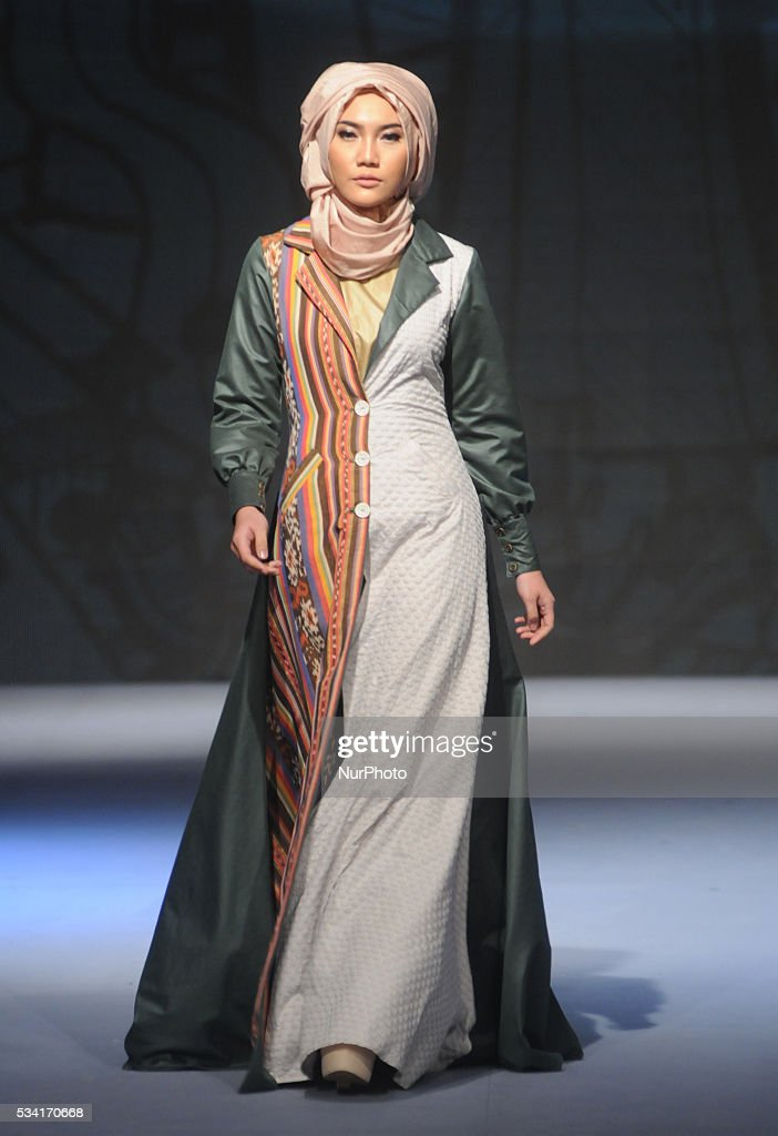 Models walk the runway as they present creations by Cut Nyak during Muslim Fashion Festival 2016 in Jakarta, Indonesia, on May 25. This event is a part of preparations to welcoming the Holy month of Ramadan. Indonesia is the biggest moslem country in the world.