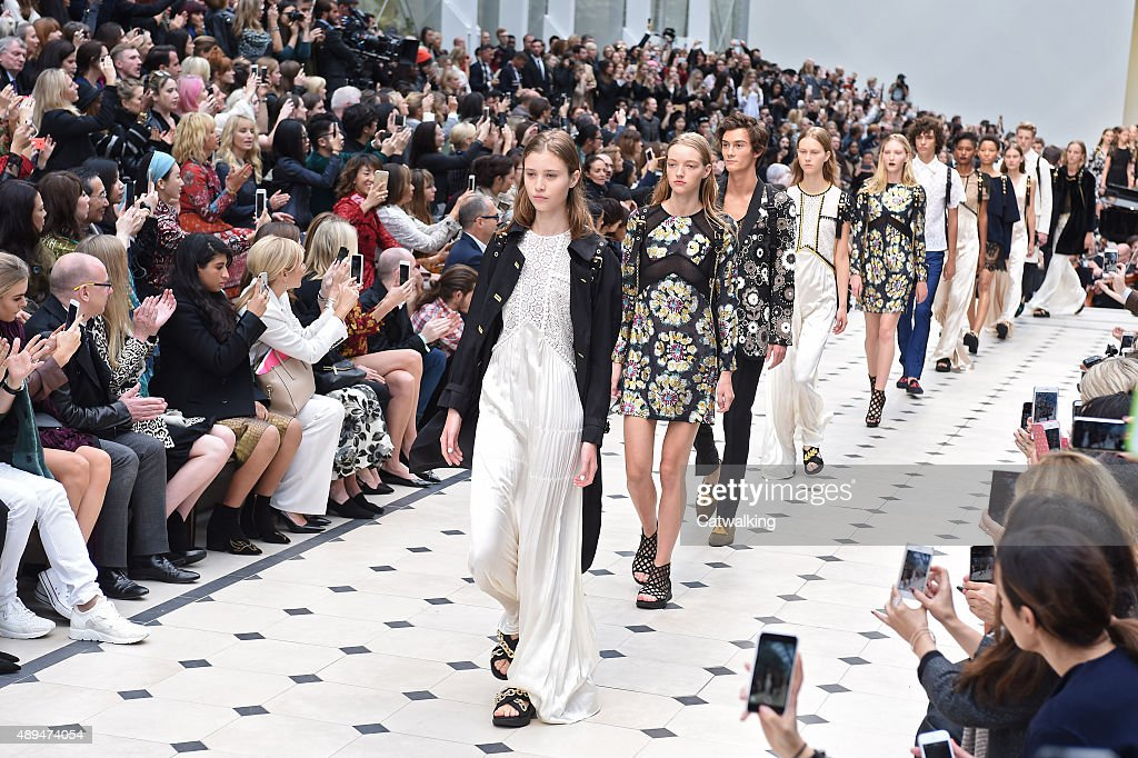 Models walk the runway at the Burberry Prorsum Spring Summer 2016 fashion show during London Fashion Week on September 21 2015 in London United...