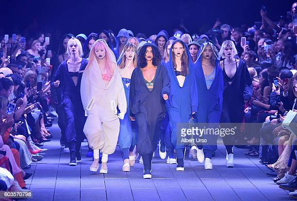 Models walk the runway at the DKNY Women fashion show during New York Fashion Week The Shows September 2016 at the High Line on September 12 2016 in...