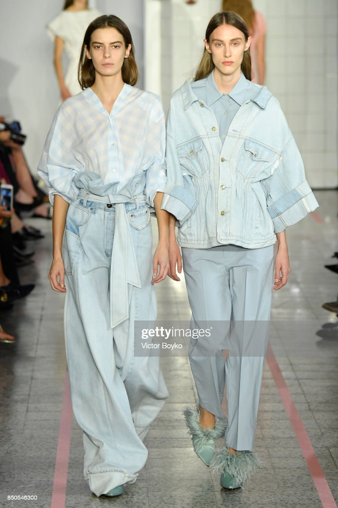 models-walk-the-runway-at-the-erika-cavallini-show-during-milan-week-picture-id850546300