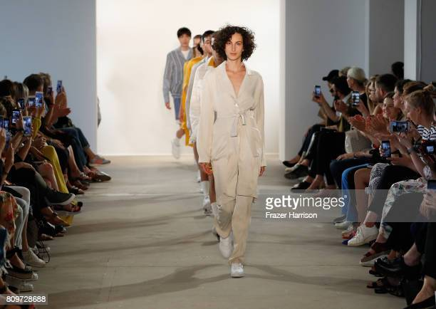 Models walk the runway at the Hien Le show during the MercedesBenz Fashion Week Berlin Spring/Summer 2018 at Kaufhaus Jandorf on July 6 2017 in...