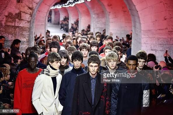 Models walk the runway during the Dries Van Noten Menswear Fall/Winter 20172018 show as part of Paris Fashion Week on January 19 2017 in Paris France