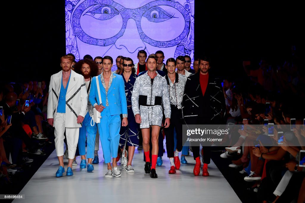 Models walk the runway during the Finale at the Emre Erdemoglu show during Mercedes-Benz Istanbul Fashion Week September 2017 at Zorlu Center on September 13, 2017 in Istanbul, Turkey.
