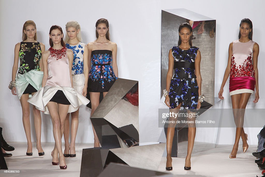 Models walk the runway during the Giambattista Valli show as part of Paris Fashion Week Haute Couture Spring/Summer 2014 on January 20, 2014 in Paris, France.