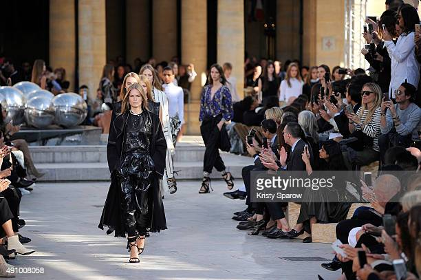 Models walk the runway during the Isabel Marant show fianle as part of the Paris Fashion Week Womenswear Spring/Summer 2016 on October 2 2015 in...