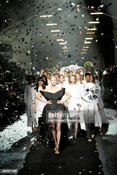 Models walk the runway during the Maison Martin Margiela show part of Paris Fashion Week Spring/Summer 2009 on September 292008 in ParisFrance