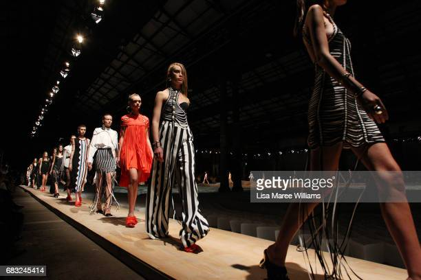 Models walk the runway during the Sass Bide show at MercedesBenz Fashion Week Resort 18 Collections at Bay 2224 Carriageworks on May 15 2017 in...