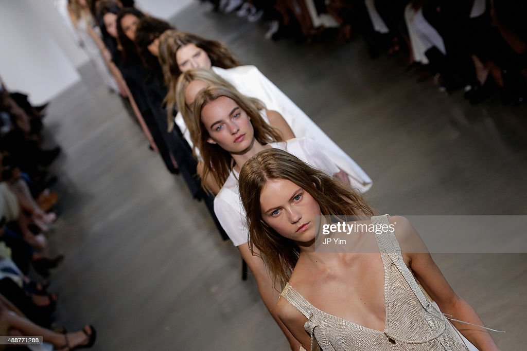 Models walk the runway wearing Calvin Klein Collection Spring 2016 during New York Fashion Week The Shows at Spring Studios on September 17 2015 in...