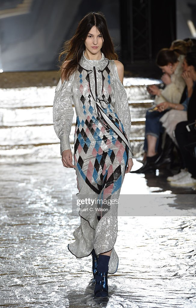Models walks the runway at the Peter Pilotto show during London Fashion Week Autumn/Winter 2016/17 at The Queen Elizabeth II Conference Centre on...