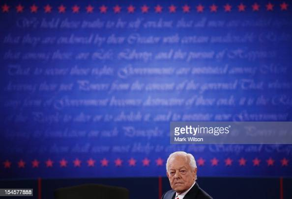 Moderator Bob Schieffer of CBS appears on stage prior to the debate between US President Barack Obama and Republican presidential candidate Mitt...