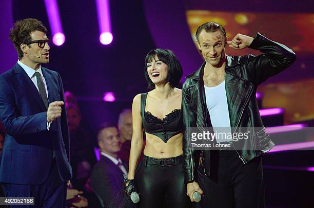 Moderator Daniel Hartwich Mimi Fiedler and Bernhard Bettermann reacts during the fith show of the television competition 'Stepping Out' on October 9...