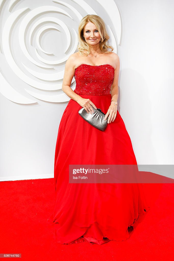 Moderator Frauke Ludowig attends the Rosenball 2016 on April 30, 2016 in Berlin, Germany.