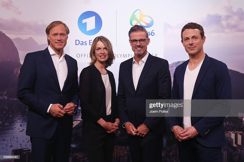 ARD moderator Gerhard Delling (L), ARD moderator Alexander Bommes (R), ARD moderator Jessy Wellmer (2nd L) and ARD moderator Michael Antwerpes (2nd R) pose during a photocall prior to the ARD and ZDF Olympics 2016 Press Conference at Empire Riverside Hotel on May 24, 2016 in Hamburg, Germany.