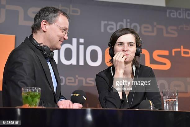 Moderator Knut Elstermann und Schauspielerin Nora Tschirner beim RadioEins BerlinaleNighttalk am Rande der 65 Internationalen Filmfestspiele Berlin